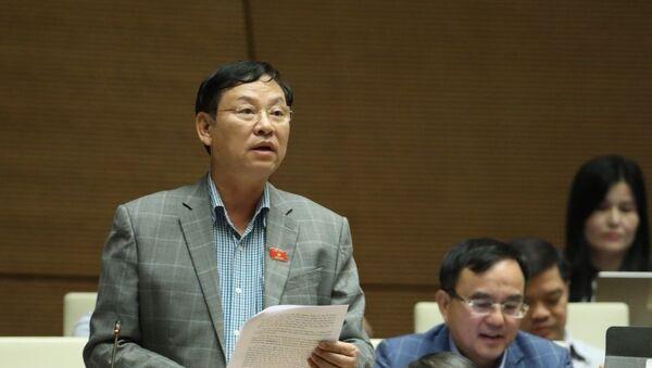 Đại biểu Quốc hội thành phố Hà Nội Nguyễn Hữu Chính phát biểu. - Sputnik Việt Nam