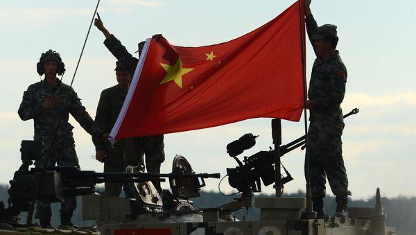 Phi hành đoàn xe tăng Type 96 của Trung Quốc. - Sputnik Việt Nam