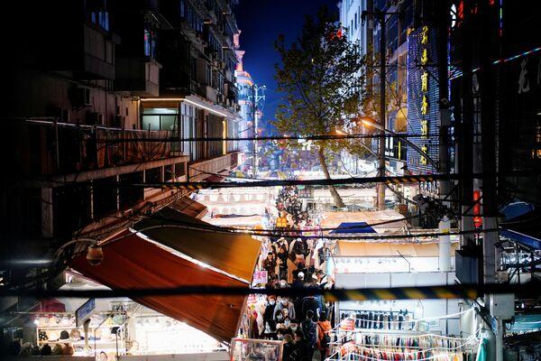 Chợ đường phố ở Vũ Hán - Sputnik Việt Nam