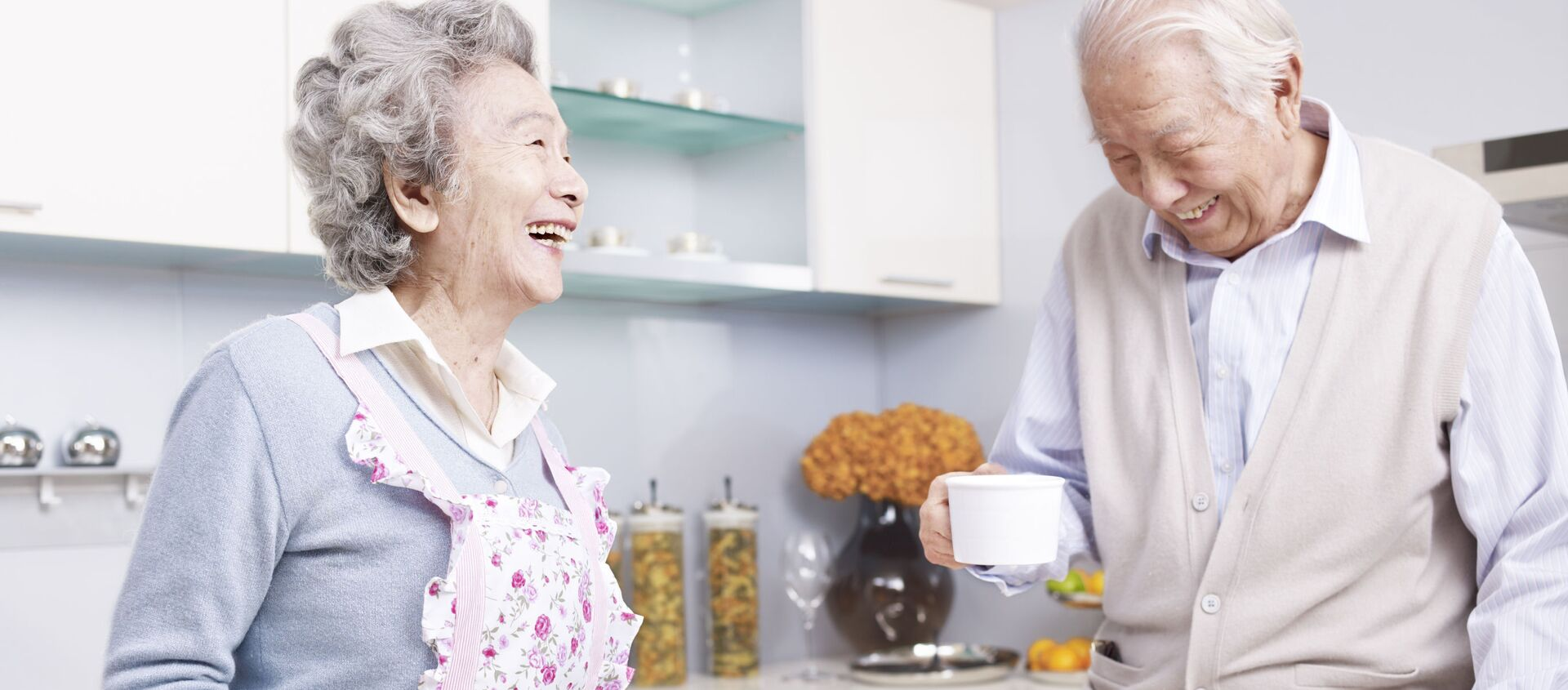 Cặp đôi lớn tuổi - Sputnik Việt Nam, 1920, 13.12.2020