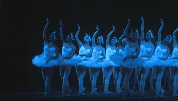 Vở ballet «Hồ thiên nga» trên sân khấu Nhà hát lớn ở Moskva - Sputnik Việt Nam