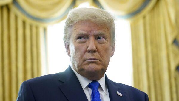 Trong tháng 12 này. Ảnh 7, 2020 Tổng thống Donald Trump trong Phòng Bầu dục của Nhà Trắng ở Washington. Trump đã thông báo rằng Israel và Morocco sẽ bình thường hóa quan hệ trong thành tựu mới nhất của báo chí chính quyền của ông nhằm thúc đẩy hòa bình Ả Rập-Israel. - Sputnik Việt Nam