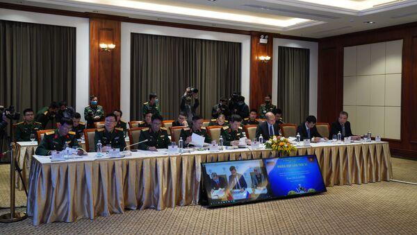 Ủy ban phối hợp liên Chính phủ về Trung tâm Nhiệt đới Nga-Việt đã tiến hành Phiên họp lần thứ 31.  - Sputnik Việt Nam