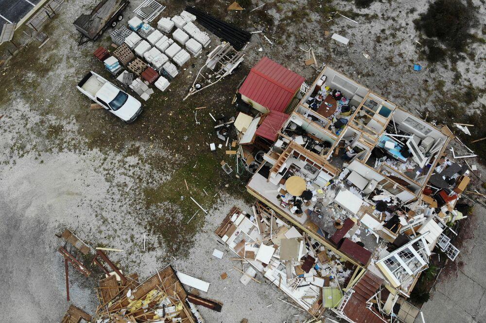 Ngôi nhà bị phá hủy trong cơn bão Sally, Mỹ