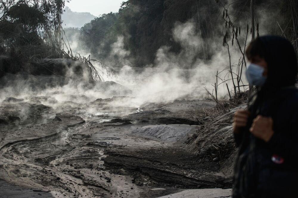 Hậu quả của vụ phun trào núi lửa Semeru trên đảo Java, Indonesia