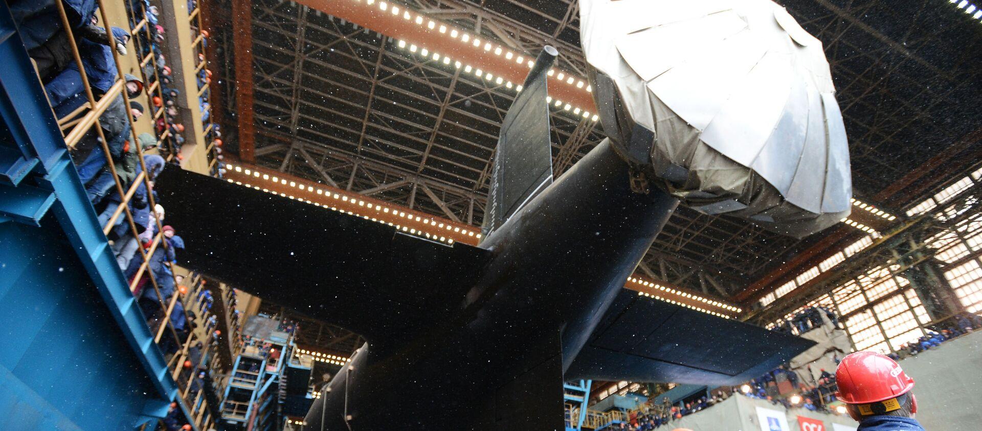 Tàu ngầm năng lượng hạt nhân Kazan của Hải quân Nga trong lễ hạ thủy long trọng tại Severodvinsk. - Sputnik Việt Nam, 1920, 10.06.2021