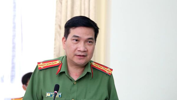 Đại tá Nguyễn Sỹ Quang, Phó Giám đốc Công an Thành phố Hồ Chí Minh trả lời câu hỏi của các cơ quan báo chí. - Sputnik Việt Nam