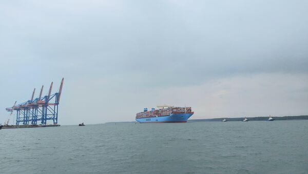 Siêu tàu chở container Margrethe Maersk trên trên sông Thị Vải – Cái Mép. - Sputnik Việt Nam