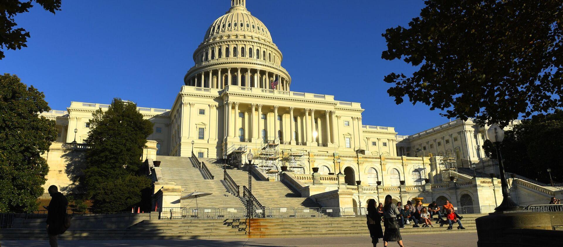 Tòa nhà Capitol trên Đồi Capitol ở Washington DC - Sputnik Việt Nam, 1920, 22.12.2020
