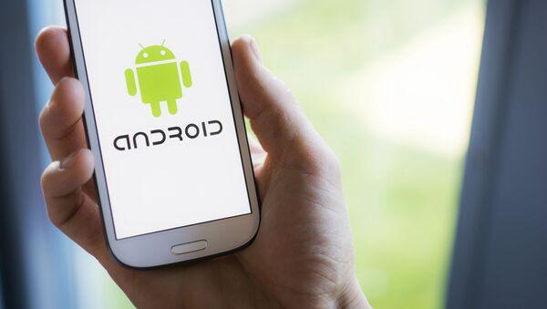 Logo Android trên điện thoại thông minh Samsung - Sputnik Việt Nam