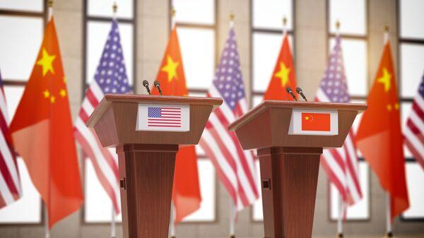 Cờ của Hoa Kỳ và Trung Quốc - Sputnik Việt Nam