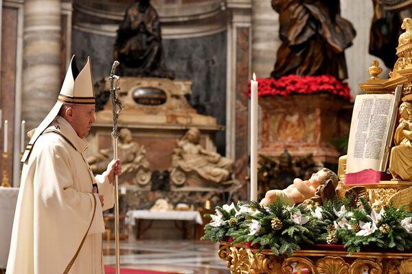 Giáo hoàng Francis cử hành thánh lễ trọng thể tại Vương cung thánh đường Thánh Peter ở Vatican - Sputnik Việt Nam