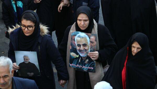 Lễ tang tướng Soleimani và những người thiệt mạng do cuộc tấn công của Mỹ ở Iraq - Sputnik Việt Nam