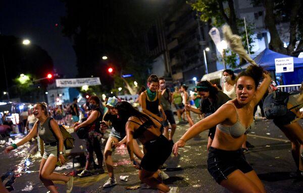 Biểu tình vì hợp pháp hóa phá thai ở Argentina - Sputnik Việt Nam