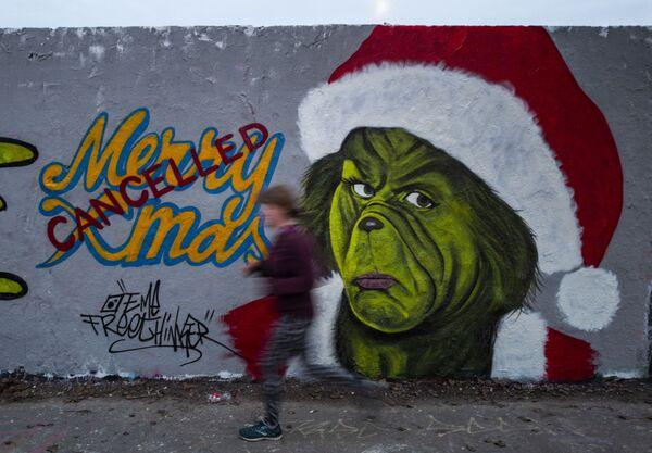 Graffiti của hoạ sĩ Eme Freethinker ở Berlin - Sputnik Việt Nam