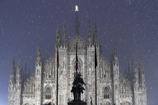 Tuyết rơi ở Milan - Sputnik Việt Nam
