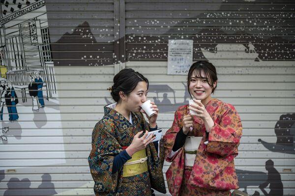 Những cô gái mặc kimono ở Tokyo - Sputnik Việt Nam