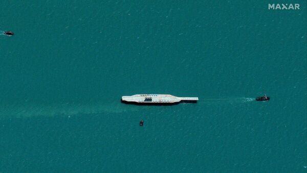 Tàu Iran tập trận ở Vịnh Ba Tư và phần phía tây của eo biển Hormuz - Sputnik Việt Nam