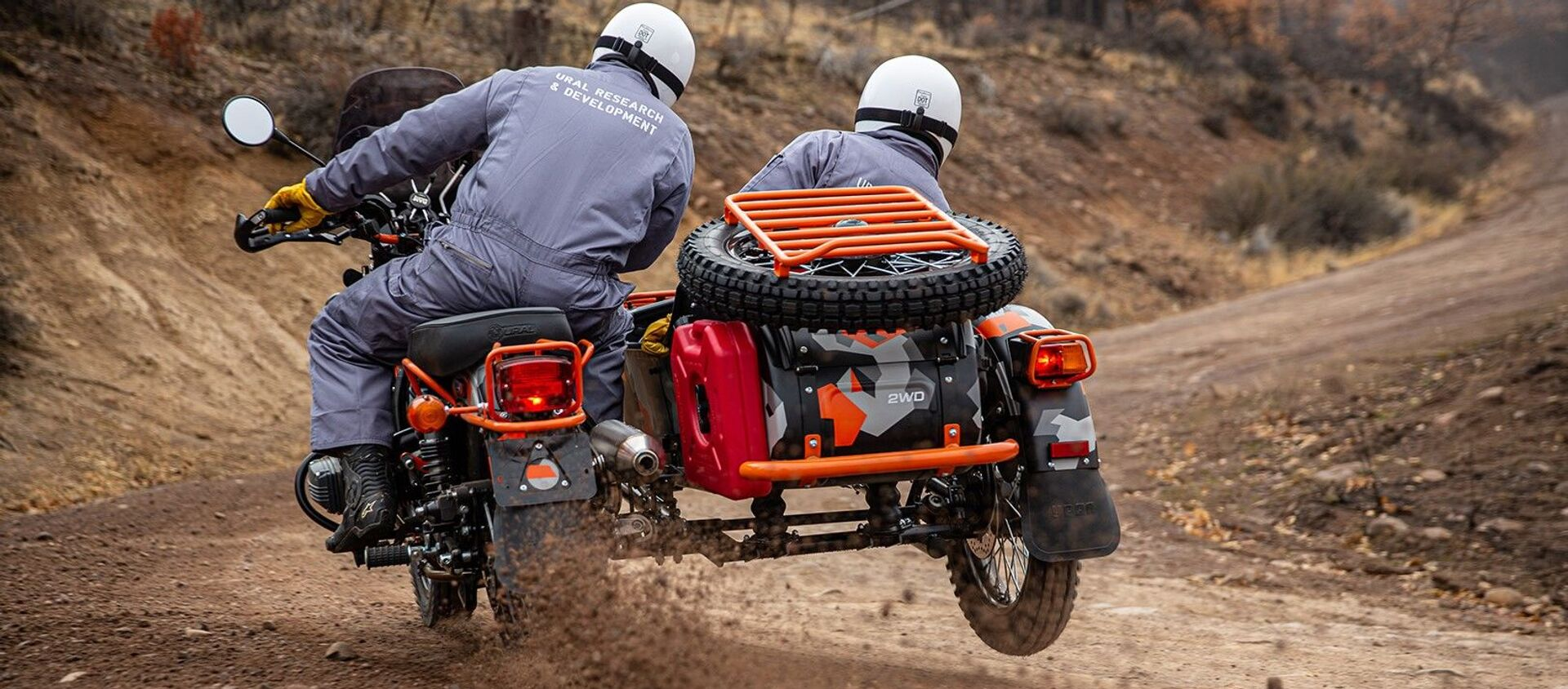 Xe mô tô sidecar mới của Nga Ural Gear Up GEO do nhà máy chế tạo Irbit sản xuất. - Sputnik Việt Nam, 1920, 09.01.2021
