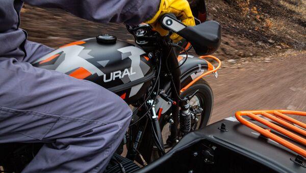 Xe mô tô sidecar mới của Nga Ural Gear Up GEO do nhà máy chế tạo Irbit sản xuất. - Sputnik Việt Nam
