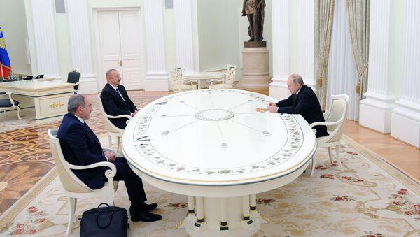 Сuộc gặp giữa Tổng thống Nga Vladimir Putin với Tổng thống Azerbaijan Ilham Aliyev và Thủ tướng Armenia Nikol Pashinyan - Sputnik Việt Nam