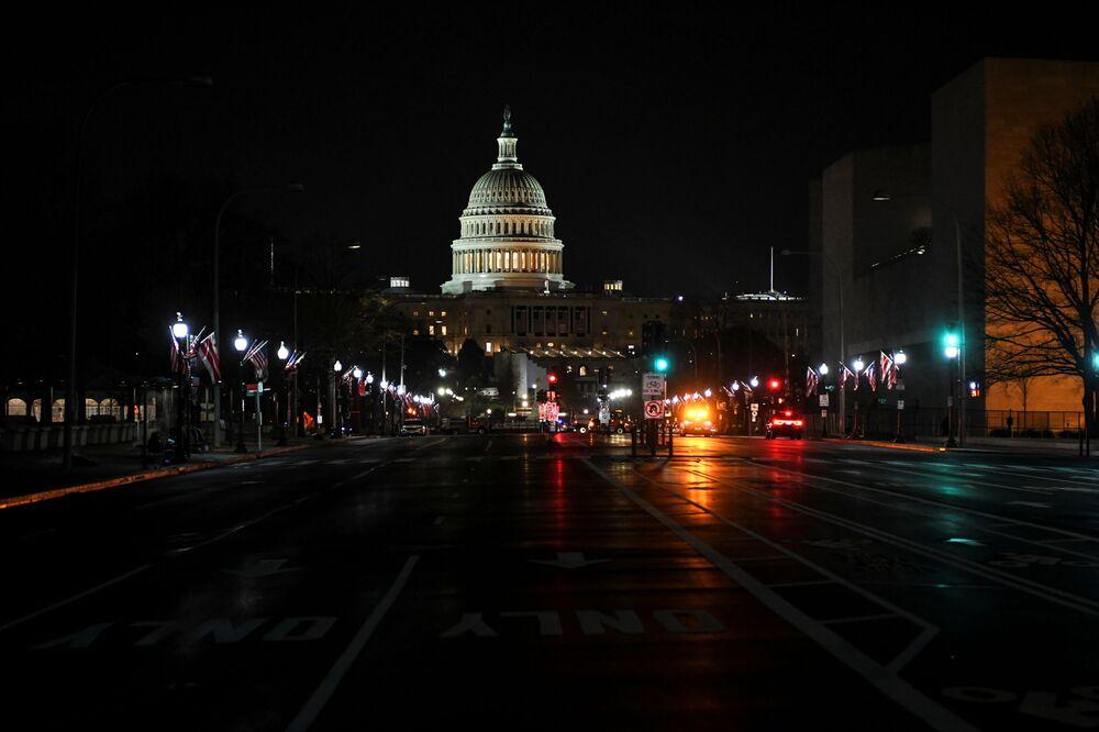 Đường đến Tòa nhà Capitol ở Washington DC