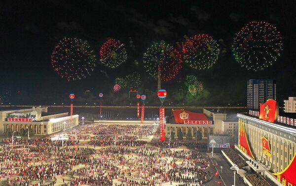 Lễ duyệt binh ở Bình Nhưỡng nhân Đại hội VIII của đảng Lao động Triều Tiên. - Sputnik Việt Nam