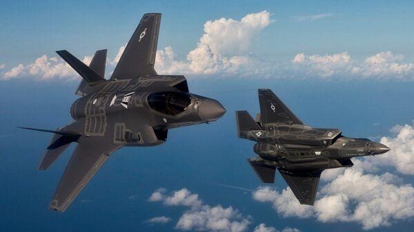 Máy bay ném bom F-35 trên bầu trời Thổ Nhĩ Kỳ - Sputnik Việt Nam
