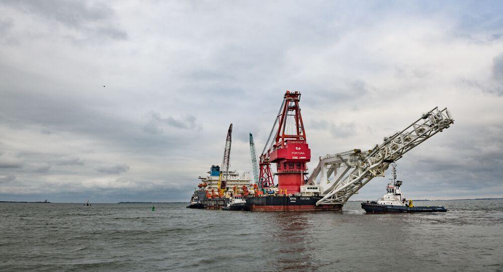 Tàu chuyên dụng Fortuna ở cảng thành phố Wismar của Đức