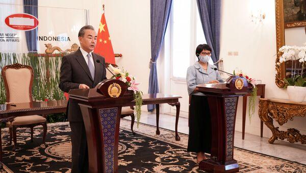 Bộ trưởng Ngoại giao Trung Quốc Vương Nghị thăm Indonesia - Sputnik Việt Nam