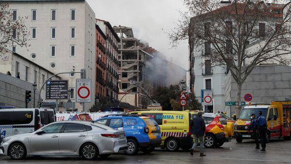 Khói và sự tàn phá tại một địa điểm nổ ở trung tâm Madrid, Tây Ban Nha - Sputnik Việt Nam