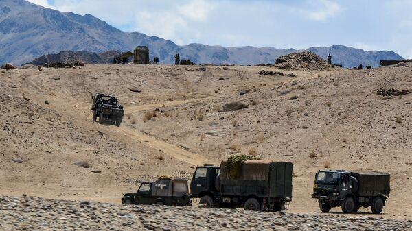 Quân đội Ấn Độ gần biên giới với Trung Quốc - Sputnik Việt Nam