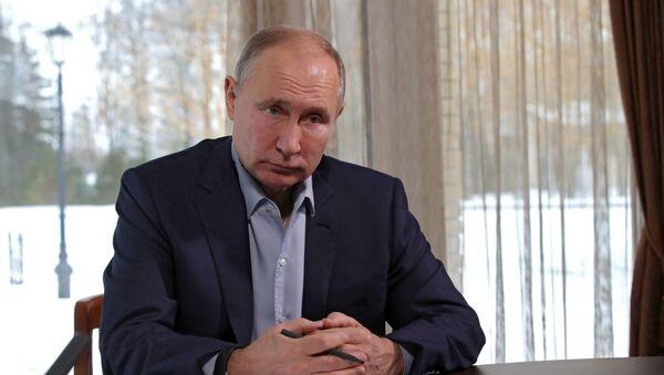 Tổng thống Nga Valdimir Putin tham gia cuộc gặp với sinh viên các trường đại học nhân Ngày sinh viên Nga - Sputnik Việt Nam