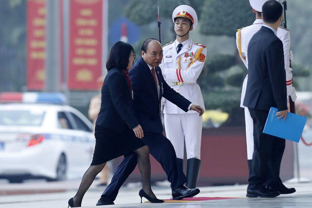 Thủ tướng Việt Nam Nguyễn Xuân Phúc tới lễ khai mạc Đại hội lần thứ XIII của Đảng Cộng sản Việt Nam tại Hà Nội