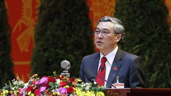 Đồng chí Mai Trực, Ủy viên Trung ương Đảng, Phó Chủ nhiệm Uỷ ban Kiểm tra Trung ương trình bày tham luận.  - Sputnik Việt Nam