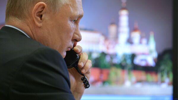 Tổng thống Nga Putin nói chuyện điện thoại - Sputnik Việt Nam