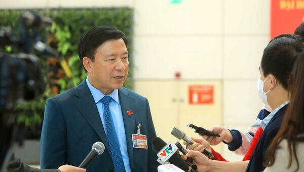 Bí thư Tỉnh ủy Hải Dương trả lời phỏng vấn của cơ quan báo chí về việc phát hiện các ca lây nhiễm COVID-19 trong cộng đồng tại Hải Dương và Quảng Ninh - Sputnik Việt Nam