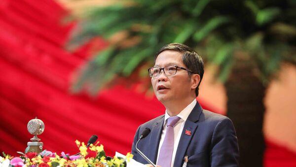Đồng chí Trần Tuấn Anh, Ủy viên Trung ương Đảng, Bộ trưởng Bộ Công Thương trình bày tham luận. - Sputnik Việt Nam