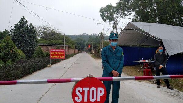 Chốt kiểm soát dịch tại xã Thủy An (Đông Triều, Quảng Ninh). - Sputnik Việt Nam