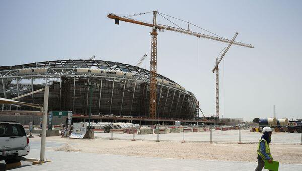 Việc xây dựng sân vận động Al-Wakrah ở thành phố Doha, nơi sẽ diễn ra World Cup 2022 - Sputnik Việt Nam