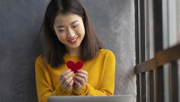 Hẹn hò online ngày Valentine  - Sputnik Việt Nam