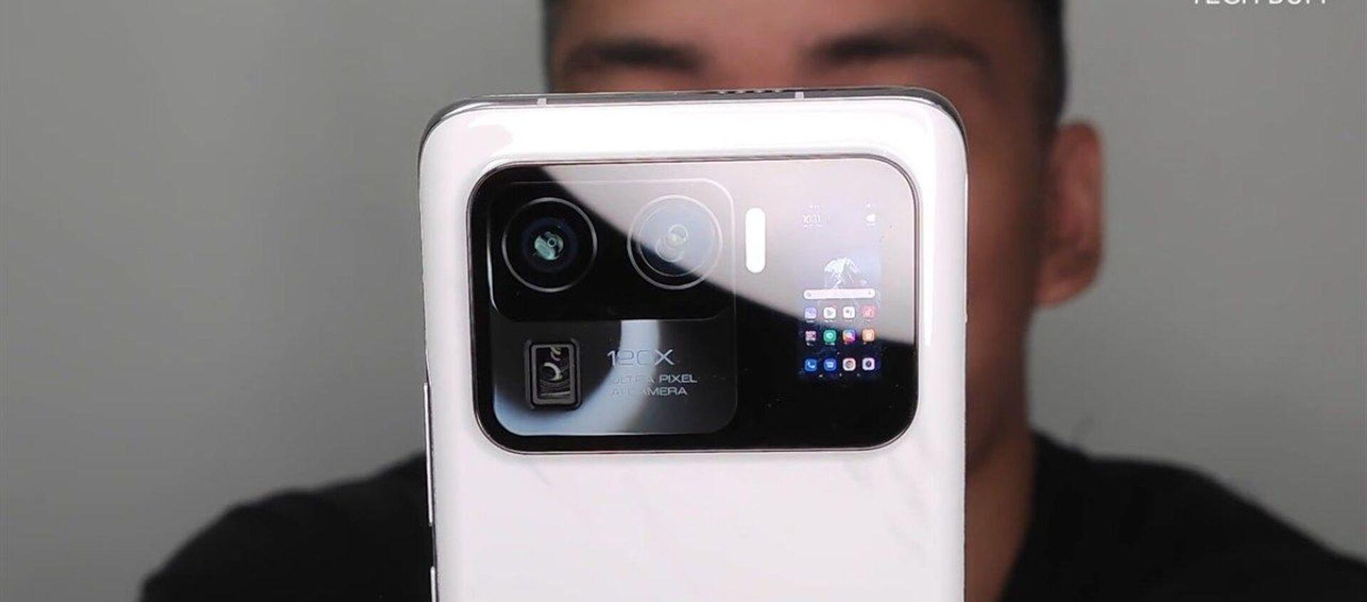 Chưa giới thiệu mẫu điện thoại thông minh hàng đầu Xiaomi Mi 11 Ultra - Sputnik Việt Nam, 1920, 12.02.2021