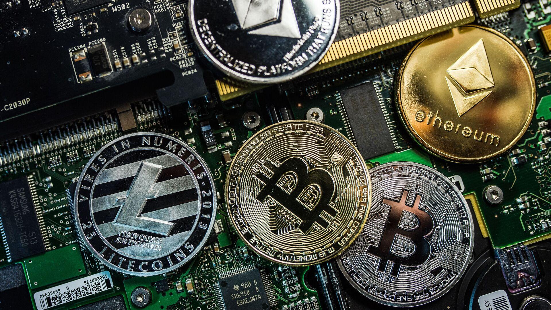 Bitcoin, Litecoin и Ethereum - Sputnik Việt Nam, 1920, 23.05.2021