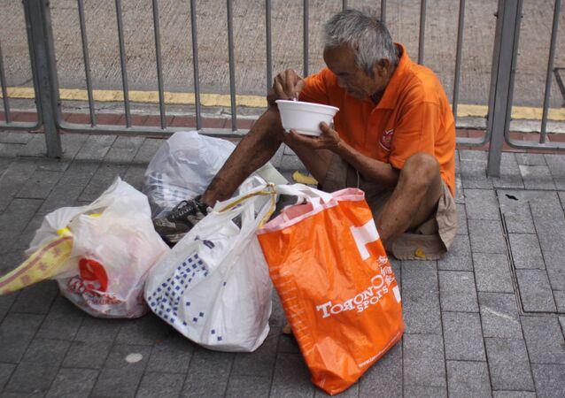 Một người đàn ông vô gia cư ở Hồng Kong
