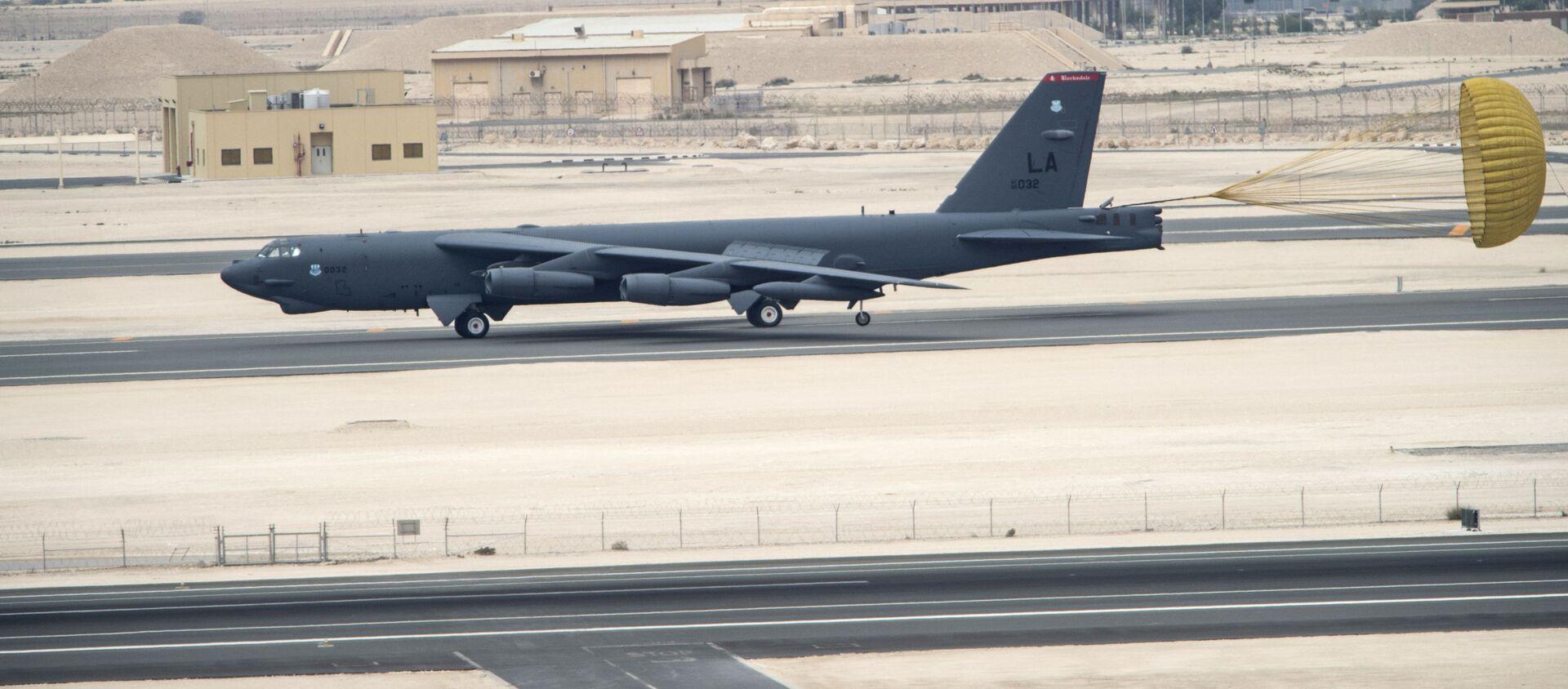 Máy bay ném bom chiến lược Boeing B-52 Stratofortress của Không quân Mỹ đến căn cứ không quân Al Udeid, Qatar. - Sputnik Việt Nam, 1920, 27.02.2021