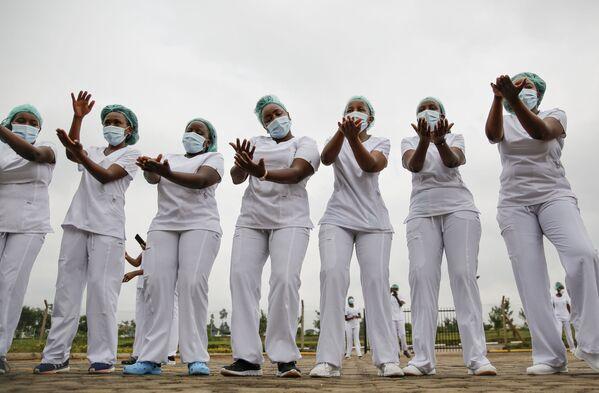 Các nữ y tá trong buổi tập zumba ở Nairobi, Kenya - Sputnik Việt Nam