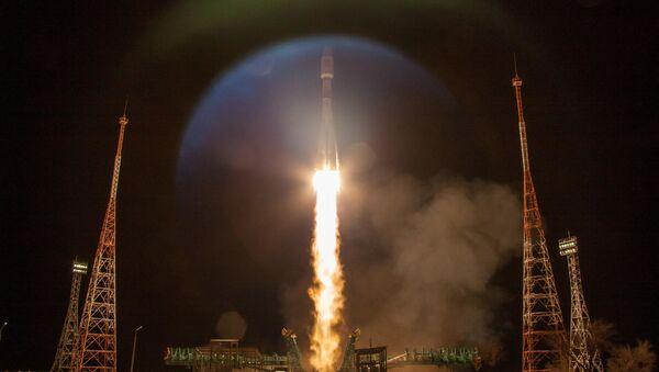 Phóng tên lửa Soyuz-2.1b với tầng đẩy Fregat từ sân bay vũ trụ Baikonur - Sputnik Việt Nam