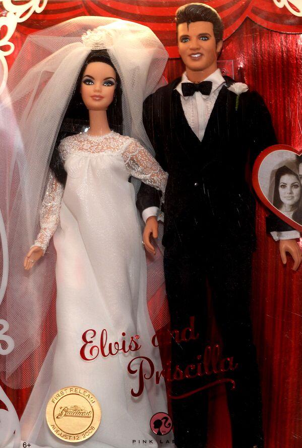 Búp bê Barbie và Ken, trong trang phục giống Elvis và Priscilla Presley - Sputnik Việt Nam