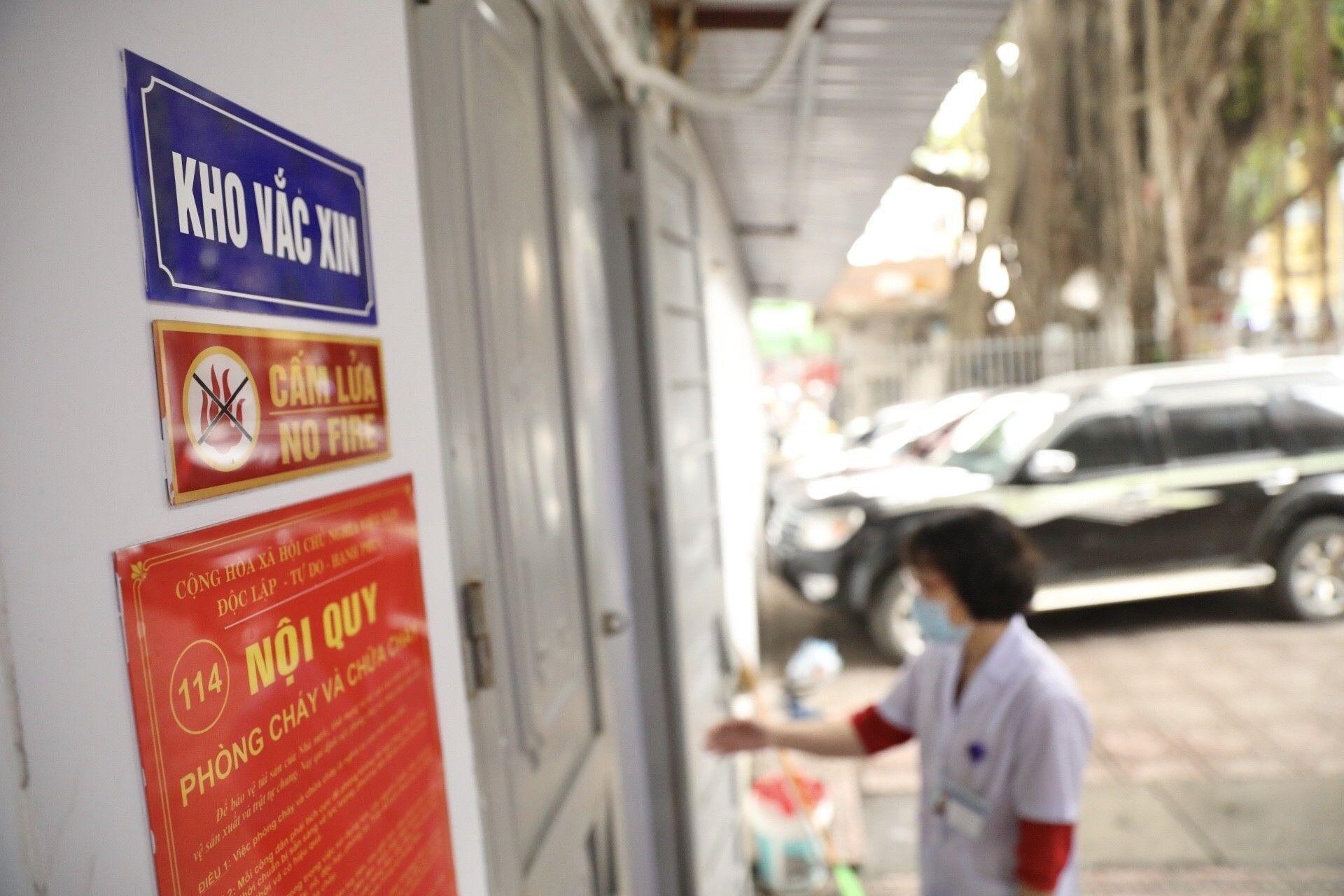 Nhân viên y tế Việt Nam kể triệu chứng sau khi tiêm vaccine Covid-19 của AstraZeneca - Sputnik Việt Nam, 1920, 09.03.2021