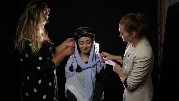 Hậu trường quay phim dự án The Ethnic Origins of Beauty (cô gái người dân tộc Yazidi) - Sputnik Việt Nam
